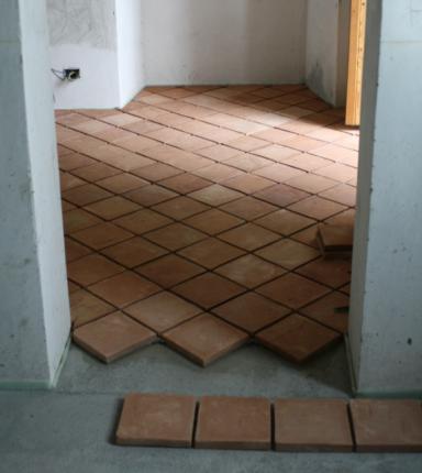 La posa dei pavimenti in cotto